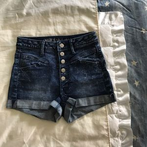 AE button-up high waisted shorts